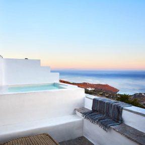 Living Theros Luxury Suites- Τήνος